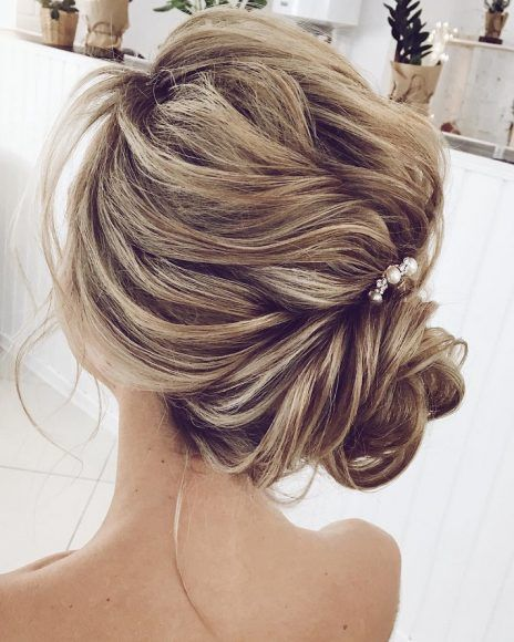 87 Fabulous Wedding Hairstyles For Every Wedding Dress Neckline Hair Styles Side Bun Hairstyles Strapless Dress Hairstyles