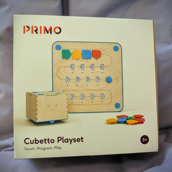 Neues, spannendes Spielzeug eingetroffen! Dieses wird mit euch zusammen beim Kinderparlament am Samstag eingeweiht.