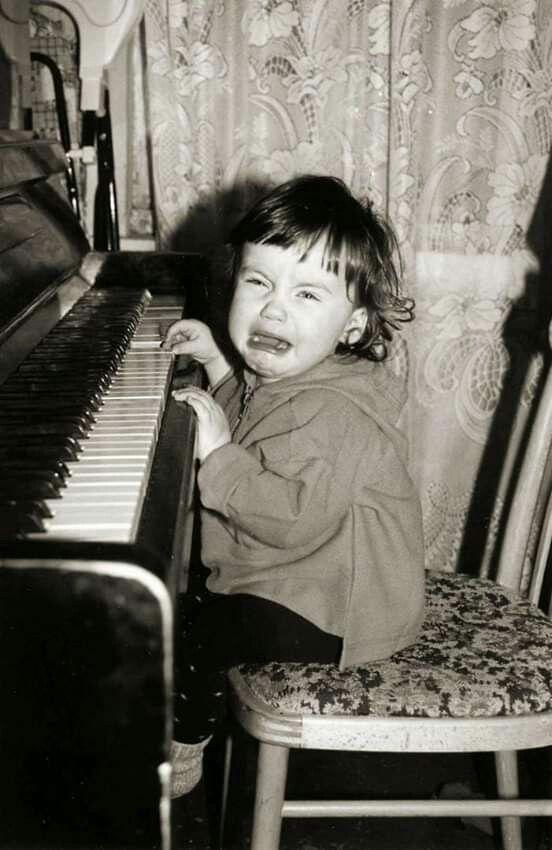 8 ноября - День Пианиста! Надо иметь талант ....💐💐💐💐💐 | Piano, Music,  Music instruments