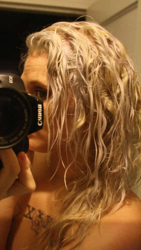 """The (Sometimes) Glam Mom: Skipping over """"bleach"""" blonde and going straight for """"platinum"""" aka WHITE--all at home, of course"""