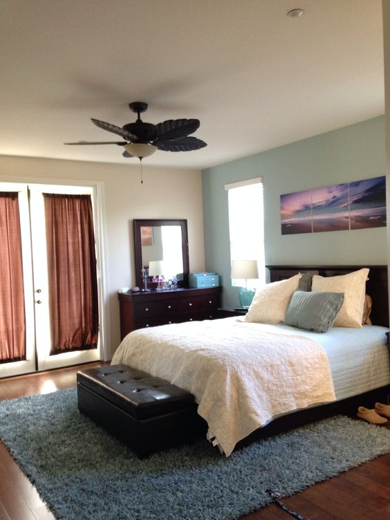 Pottery Barn Quilts Paint Accent Walls And Coastal Bedrooms On Pinterest