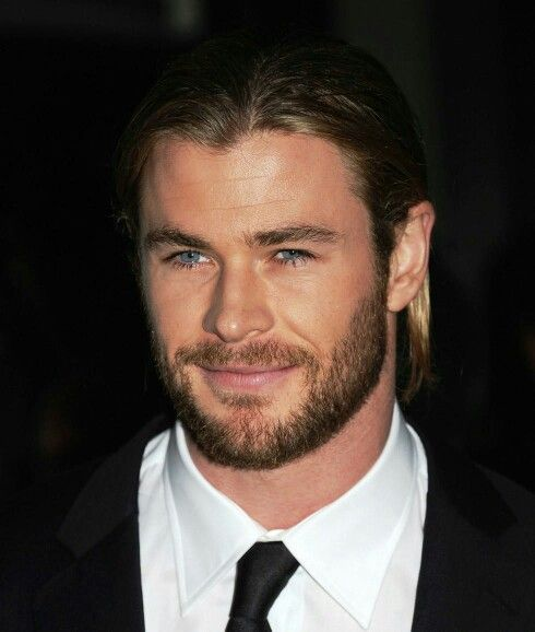 49 Best Short Hairstyles With Beard Style For Round Face Men In 2020 Short Hair With Beard Goatee Styles Beard Styles Short