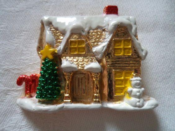 Vintage Signed AJC  Goldtone Snow House Brooch/Pin