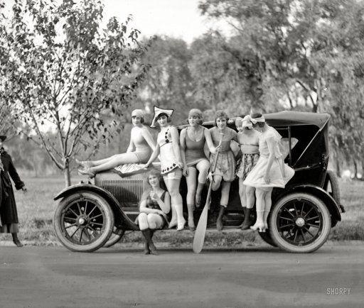 Bathing Beauties: 1919