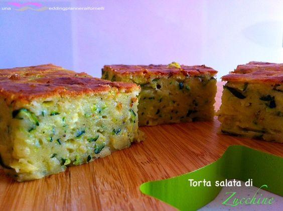 Torta salata di zucchine - Videoricetta http://blog.cookaround.com/weddingplanneraifornelli/torta-salata-di-zucchine-videoricetta/