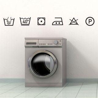 Réalisez une décoration originale et tendance avec ce kit d'adhésifs représentant les symboles des instructions de lavage. Idéale pour créer une déco décalée en l'associant à votre machine à laver !