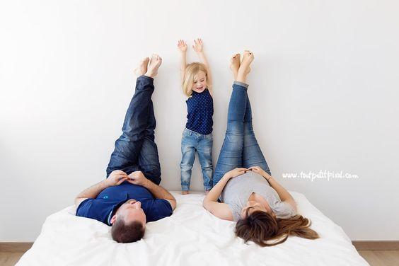photos de grossesse en famille lifestyle maternit chaises et photos. Black Bedroom Furniture Sets. Home Design Ideas