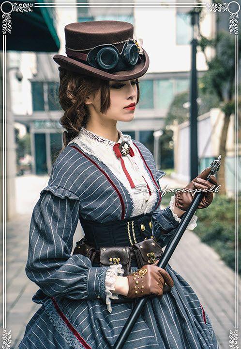 Lolita steampunk girl