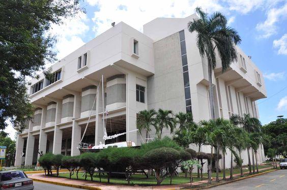 Entonces, fuimos al Museo del Hombre Dominicano.  El museo fue muy interesante porque tiene artefactos de vudú y la esclavitad de dominicanos en el pasado.