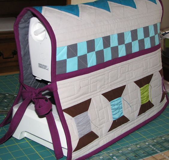 terri @sew fantastic made this too cute sewing machine cover for her love of solids swap!!