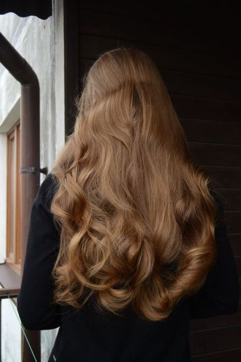 How To Kim Kardashian S Effortless Textured Waves Hair Styles Long Hair Styles Aesthetic Hair