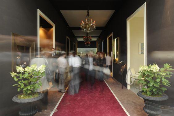 24° Biennale des Antiquaires (2008)  Espace Haute Joaillerie  Grand palais  Scénographie : Décoral  Photo : Julio Piatti