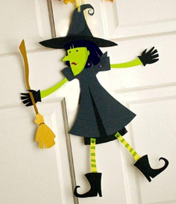 Bruja de cartulina para Halloween - http://www.manualidadeson.com/bruja-de-cartulina-para-halloween.html: