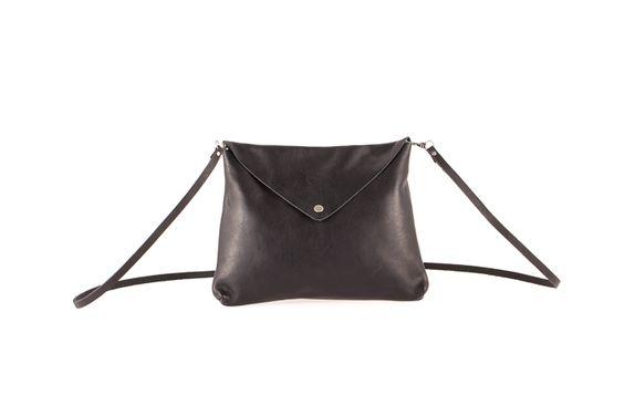 Leather shoulder bag flap black / Bandolera piel solapa negro