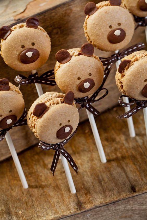 Adorable teddy bear macaron pops