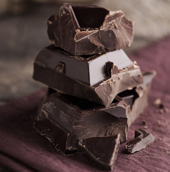 Research now shows that eating moderate amounts of dark chocolate can reduce overall body fat and shrink the waist. A study among women with normal weight obesity (skinny fat syndrome) who ate a Mediterranean diet that included two servings of dark chocolate each day showed a significant reduction in waist size than when on a cocoa-free meal plan. Researchers say it has to do with the flavonoids, heart-healthy compounds in chocolate that have important antioxidant and anti-inflammatory…