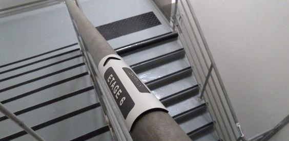 escaliers avec manchon braille nez de marche contrast s. Black Bedroom Furniture Sets. Home Design Ideas