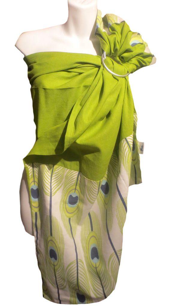 Ring sling. Fait au Québec à la main avec amour.  ✄Tissu vert : 55% lin, 45% viscose ✄Tissu plume paon : 100% coton Lin vert avec pointe et épaule