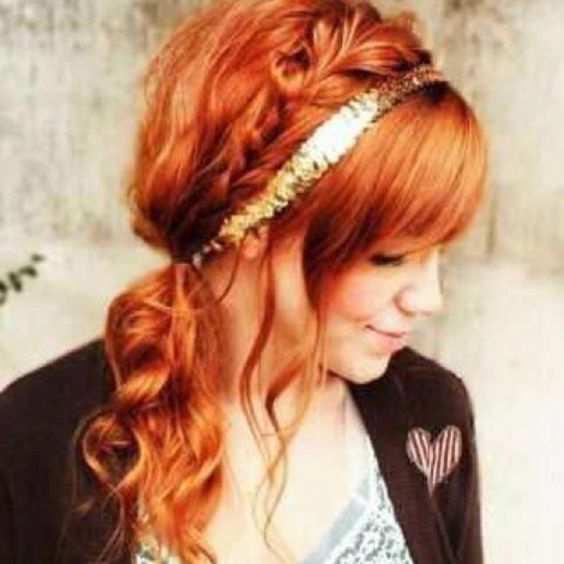 This Is A Very Pretty Hairstyle.. Especially On Red Hair.. <3