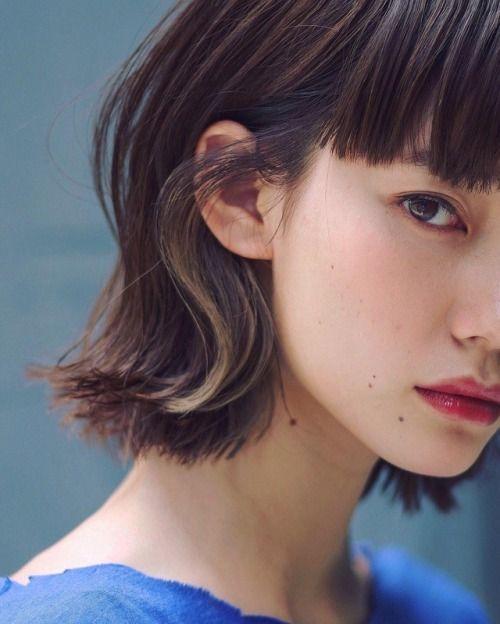 """omusubiyama: """"Hironori OkadaさんはInstagramを利用しています:「 . 外ハネの内側 耳にかけた時の 見え方 . Sよりな外ハネ . hair & make & photo by me . インナーカラーが際立つ 普段は見えぬが役に立つ . #右サイド #外ハネボブ #外ハネ #ロブ #ボブヘア #ワイドバング #インナーカラー…」 """""""