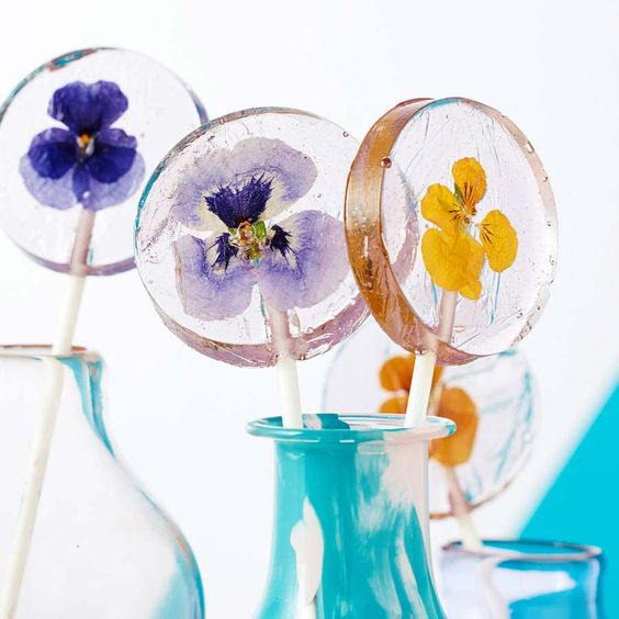 Lollipop wedding favours with edible flowers - Not on the High Street