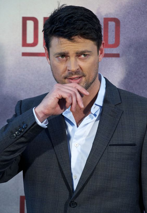karl urban subcategory a suit porn subcategory b the eyebrow of ladybit doom karl heinz. Black Bedroom Furniture Sets. Home Design Ideas