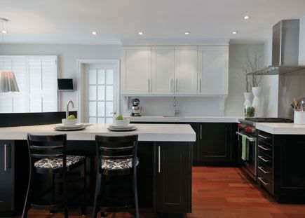White quartz kitchen small and small kitchens on pinterest - Cocinas modernas blancas ...