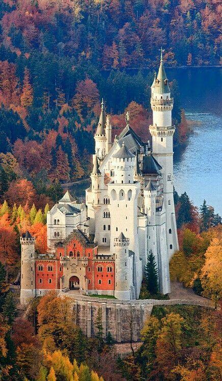 Schloss Neuschwanstein Bayern Allgau Neuschwanstein Castle Germany Castles Beautiful Castles