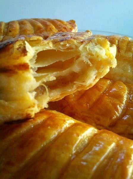 """"""" CHAUSSONS AUX POMMES, RAISINS & VANILLE """" Recette pas à pas - """" Les Gourmandises De Amela ..."""""""