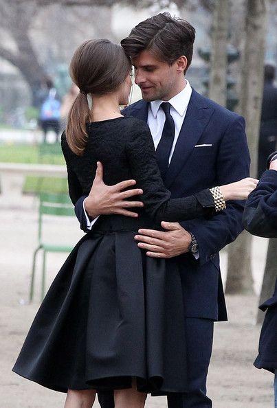 Dark affair..just the fashion. :)