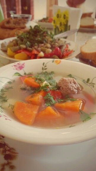 Crimeantatar dishes, meat & vegetable soup.