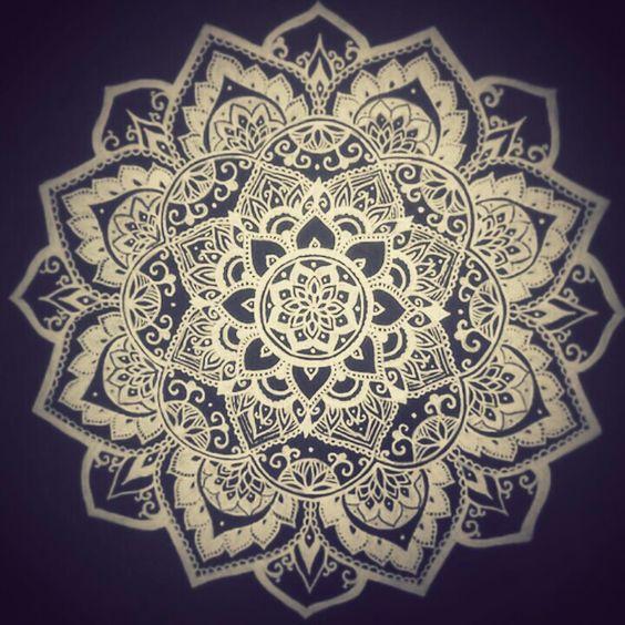 Mandala crown chakra piece | Tattoo | Pinterest | Graphics ...