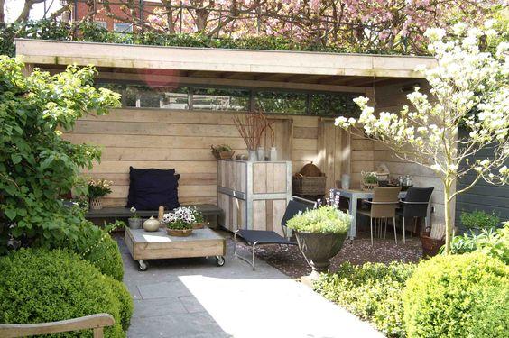 Sfeer volle overkapping uitgevoerd in oude steigerdelen ontwerp en aanleg hoveniersbedrijf van - Luifel ontwerp voor patio ...