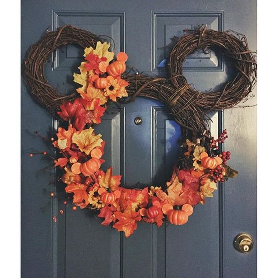 Mickey Mouse Autumn wreath | so cute!!! I want to try a Winter version.