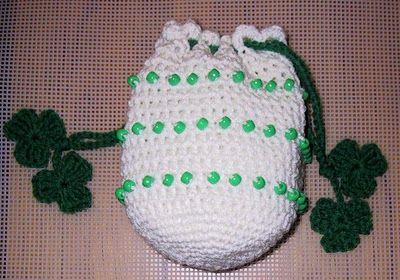 MY BEADED SHAMROCK BAG free crochet pattern