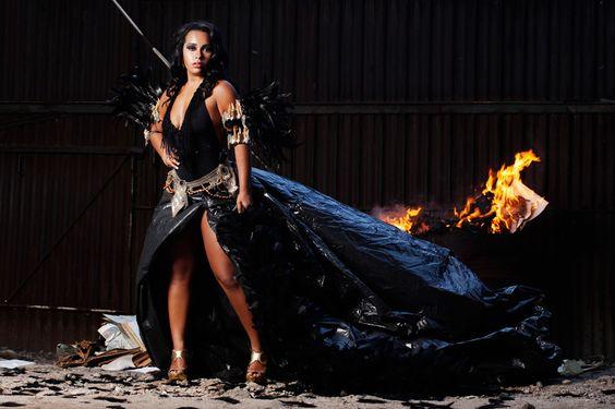 Raíssa de Oliveira, rainha de bateria da Beija-Flor, festeja 12 anos de reinado