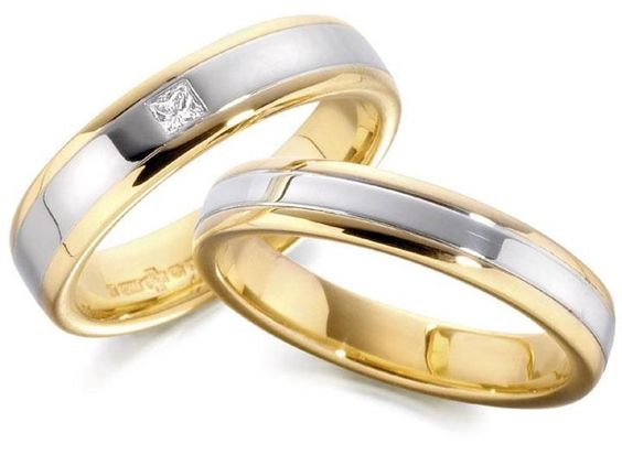Pair of two-toned diamond gold wedding bands. Made in Heaven with diamond: Using 14k Gold: (14k gold is standard gold seen in all reputable jewellery stores worldwide) P35,000 or $796 only! Imported, world-class quality, not pawned, not pre-owned, not stolen, not damaged. We deliver worldwide ♥