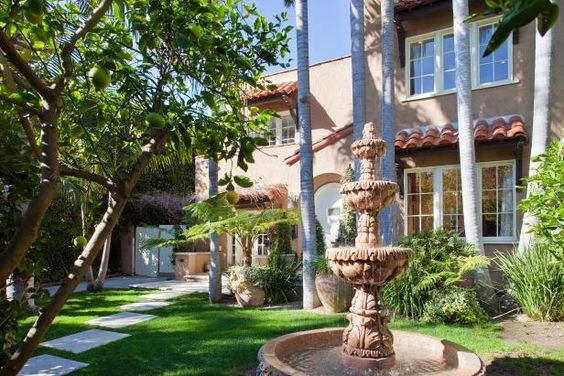 HGTV.com takes you inside reality star Lauren Conrad's Spanish-style home, featured on MTV's The Hills.
