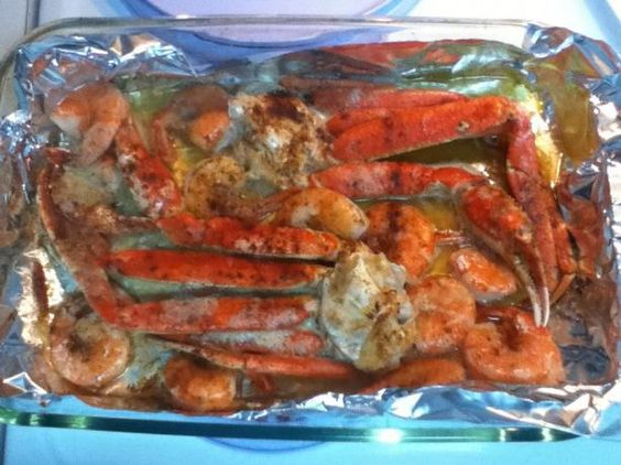 Crabs - Garlic Butter Baked Crab Legs Trying this tonight. I hate cooking crab legs in water because they lose their salty sea flavor. We'll see how this goes.