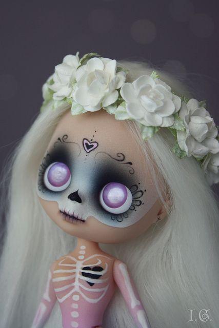 Dia de los Muertos Blythe doll