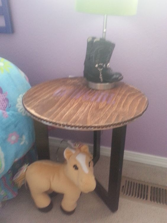 The Evolution of Mom: Cowgirl Room- Final Reveal! Rustic cowgirl table-recycled materials