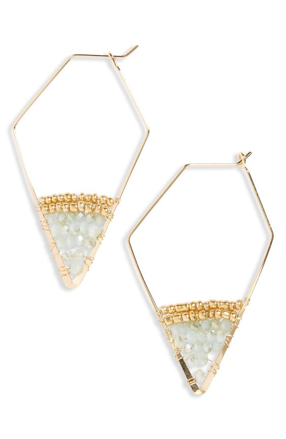 Dazzle with these crystal geometric hoop earrings! They'll add a touch of shine to any look.