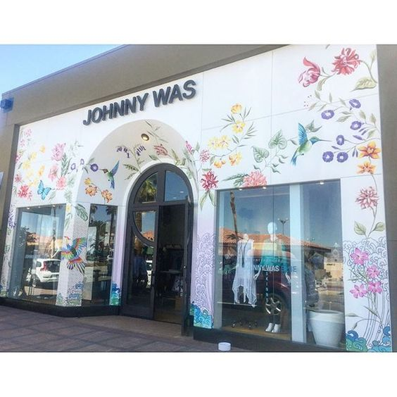 Introducing: #johnnywas #palmdesert #handpainted Store Front. @christopherlorddesigns #loveprints #floraldetail #color: