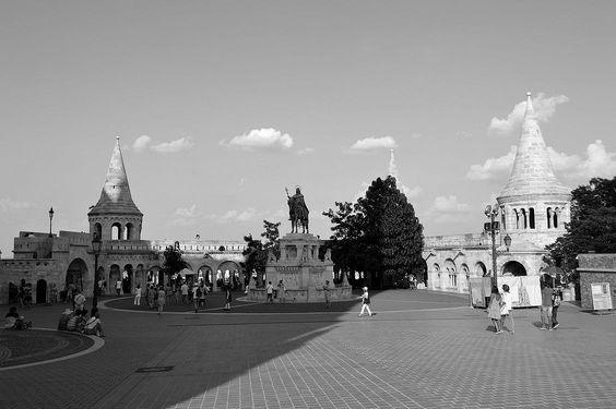 https://flic.kr/p/Lih2bw | Budapest - Szentháromsag tér - 3 | Pictures by Björn…