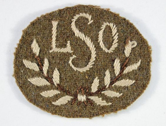 """""""LSO"""" (SLO) in Wreath - (Searchlight Operator) WW2 Embroidered Cloth Arm Badge in Collectables, Militaria, World War II (1939-1945) 