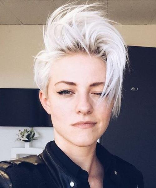 Icy Punk Hairstyles For Women Kurzhaarfrisuren Haarschnitt Kurz Coole Frisuren