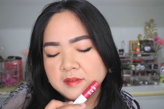 Lip Swatch Oh! My Tint Shade Berry Glam