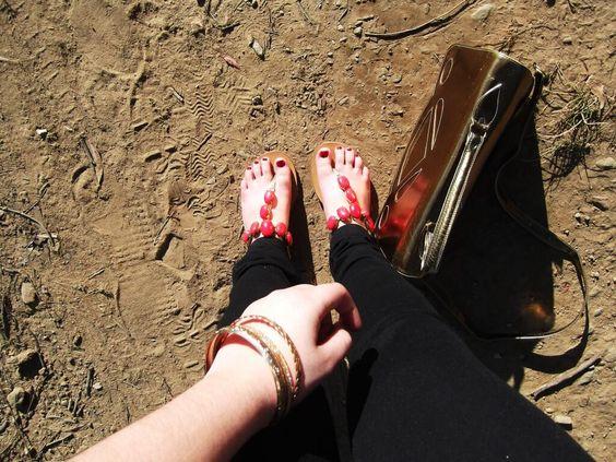 Detalles de los complementos y las sandalias de @MARYPAZ Shoes del último look. http://www.roperodenataly.blogspot.com pic.twitter.com/j5n7CNNDrU