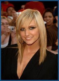 Her hair is so damn cute! Next new hair cut for me