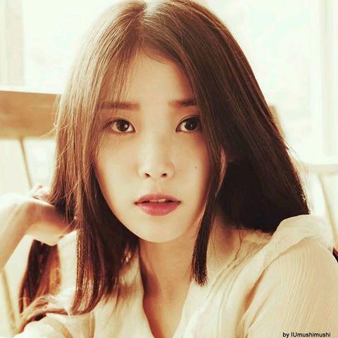IU  HQ       IU Calendar Scans by IUmushimushi    of Pinterest